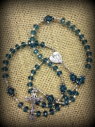 december-birthstone-rosary