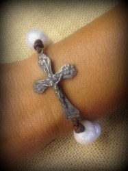 full-lg-pearl-with-crucifix1